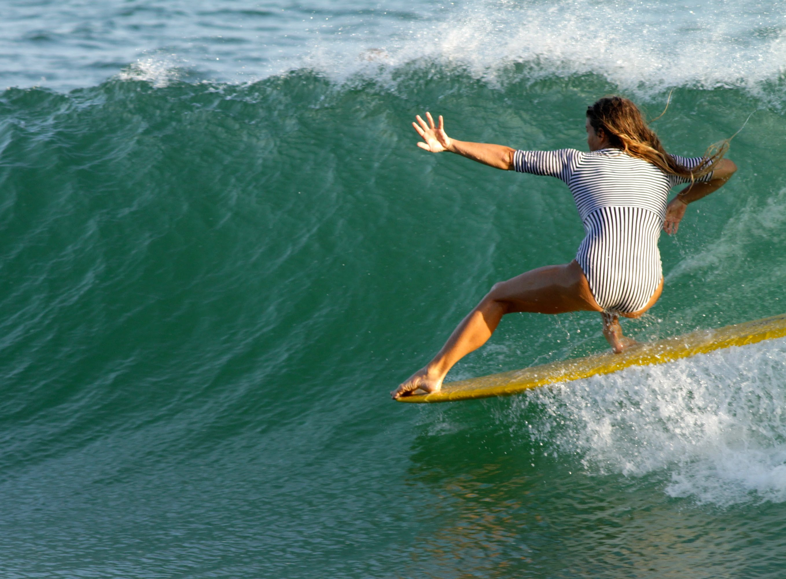 Leah Dawson - Womans Surfing